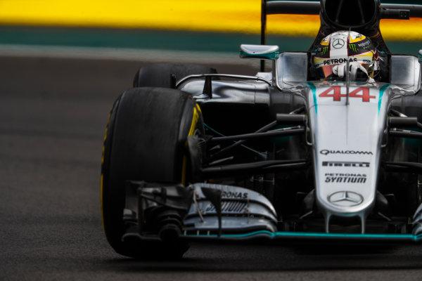 Autodromo Hermanos Rodriguez, Mexico City, Mexico. Friday 28 October 2016. Lewis Hamilton, Mercedes F1 W07 Hybrid. World Copyright: Glenn Dunbar/LAT Photographic ref: Digital Image _X4I6856