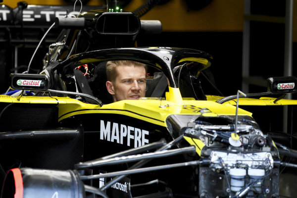 Nico Hulkenberg, Renault R.S. 19 in his car