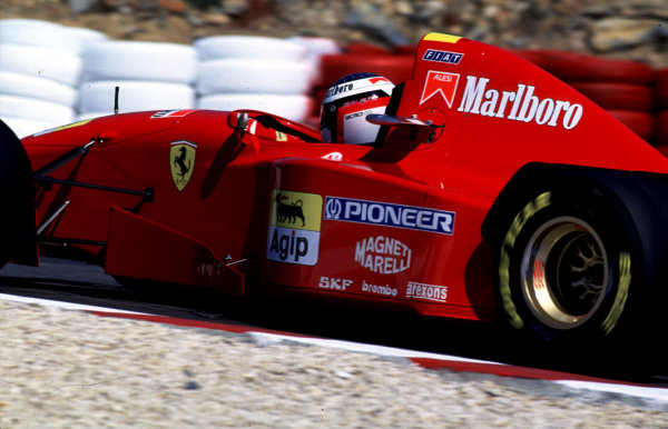1995 Portuguese Grand Prix.Estoril, Portugal.22-24 September 1995.Jean Alesi (Ferrari 412T2) 5th position.World Copyright - LAT Photographic