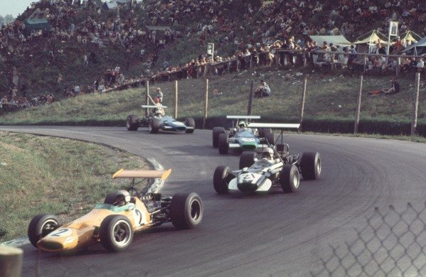 1968 Canadian Grand Prix.Mont-Tremblant, (St. Jovite), Quebec, Canada.20-22 September 1968.Bruce McLaren (McLaren M7A Ford) leads Vic Elford (Cooper T86B BRM), Henri Pescarolo (Matra MS11) and Johnny Servoz-Gavin (Matra MS10 Ford. McLaren and Elford finished in 2nd and 5th positions respectively.Ref-68 CAN 19.World Copyright - LAT Photographic