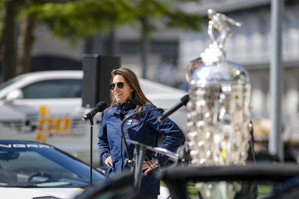 #16: Simona De Silvestro, Paretta Autosport Chevrolet at the driver's meeting