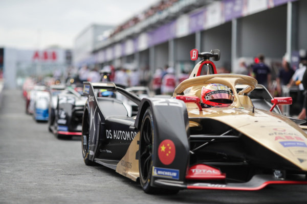 Jean-Eric Vergne (FRA), DS TECHEETAH, DS E-Tense FE19, ahead of Oliver Rowland (GBR), Nissan e.Dams, Nissan IMO1, during the red flag period
