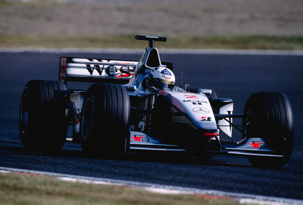 1999 Japanese Grand Prix.Suzuka, Japan. 29-31 October 1999.David Coulthard (McLaren MP4/14 Mercedes).Ref-99 JAP 97.World Copyright - Gavin Lawrence/LAT Photographic