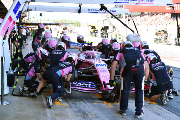 Lance Stroll, Racing Point RP19, in the pits during practice