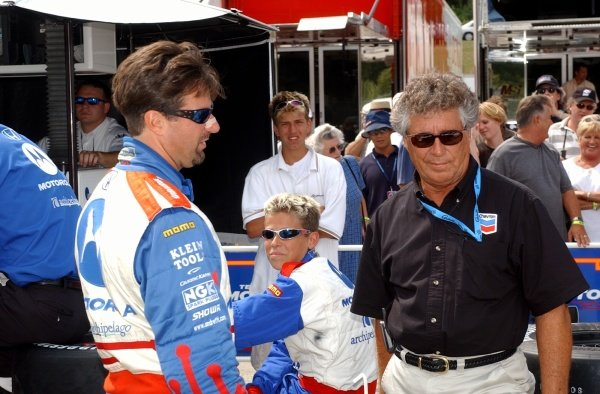 CART FedEx Championship Series.Grand Prix of Road America, Round 12August  16-18, 2002.Elkhart Lake, Wisconsin, USAThree generations of the Andretti family L-R Michael, Marco and Mario.Digital Image