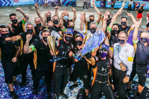 Jean-Eric Vergne (FRA), DS Techeetah and Antonio Félix da Costa (PRT), DS Techeetah celebrate with team