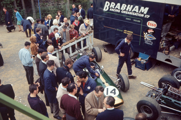 1965 Belgian Grand Prix.Spa - Francorchamps, Belgium. 11th - 13th June 1965.The Brabham team prepare their cars before the start of the race.World Copyright:LAT PhotographicRef: 65 BEL 02