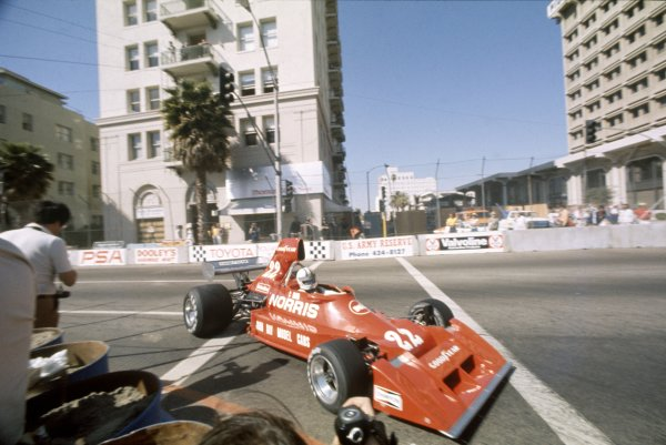 Long Beach, United States. 28 March 1976.Chris Amon, Ensign N174-Ford, 8th position, action.World Copyright: LAT PhotographicRef: 35mm transparency