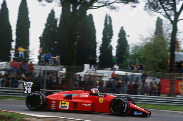 Imola, Italy. 29th April - 1st May 1988. Gerhard Berger (Ferrari F187/88C), 5th position, action. World Copyright: LAT Photographic Ref: 88SM