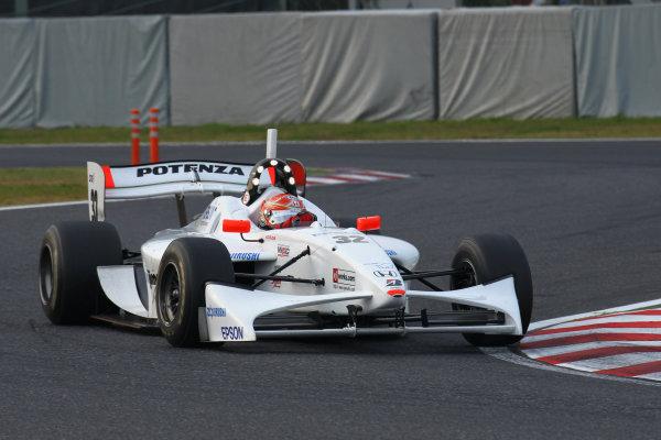 Rd 7 Suzuka, Japan. 6th - 7th November 2010.Race2, 3rd position Takashi Kogure ( #32 NAKAJIMA RACING ) action.World Copyright: Yasushi Ishihara/LAT Photographic.Ref: 2010FN_R7_022.