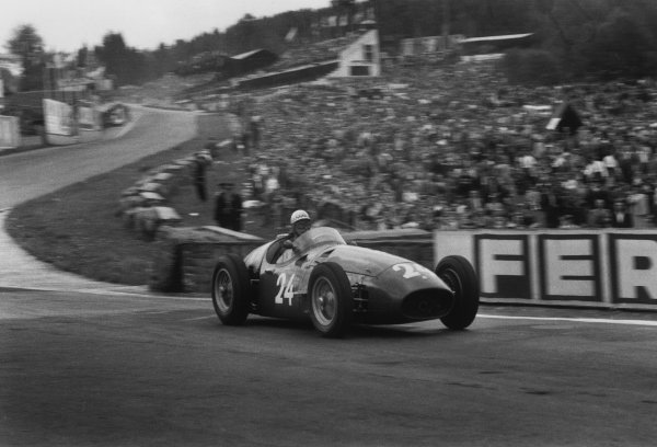 Spa-Francorchamps, Belgium. 3rd - 5th June 1955. Roberto Mieres/Jean Behra (Maserati 250F), 5th position, action. World Copyright: LAT Photographic.Ref:  B/W Print.
