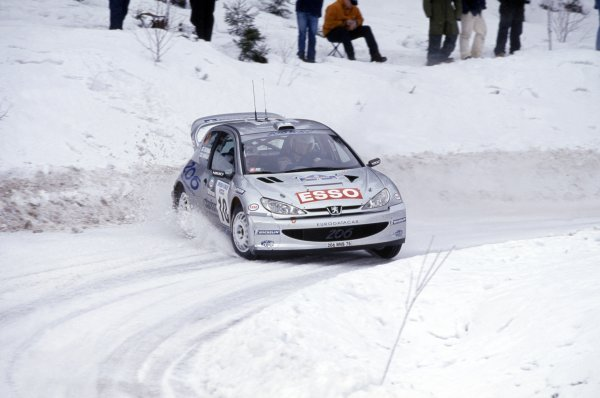 2000 World Rally Championship.Swedish Rally, Sweden. 11-13 February 2000.Marcus Gronholm/Timo Rautiainen (Peugeot 206 WRC), 1st position.World Copyright: LAT PhotographicRef: 35mm transparency 2000RALLY02
