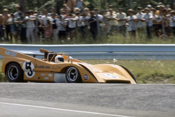 1970 Can-Am Challenge Cup.CanAm race. Watkins Glen, New York State, United States (USA). 12 July 1970.Denny Hulme (McLaren M8D-Chevrolet), 1st position.World Copyright: LAT PhotographicRef: 35mm transparency 70CANAM04