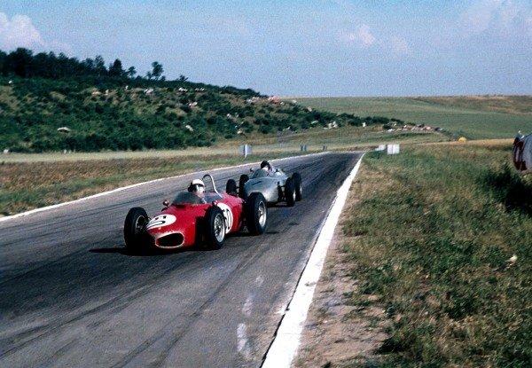 Winner, Giancarlo Baghetti(ITA) Ferrari 156, leads 2nd place Dan Gurney(USA), Porsche 718 French GP, Reims,  2 July  1961
