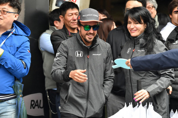 Fernando Alonso (ESP) McLaren plays table tennis at Formula One World Championship, Rd2, Chinese Grand Prix, Race, Shanghai, China, Sunday 9 April 2017.