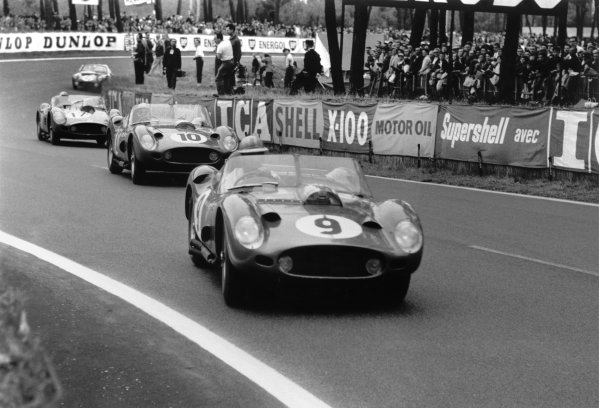 Le Mans, France. 25-26 June 1960.Phil Hill/Wolfgang von Trips (Ferrari 250TR) leads Willy Mairesse/Richie Ginther (Ferrari 250TR), Ricardo Rodriguez/Andre Pilette (Ferrari 250TR) and John Wagstaff/Tony Marsh (Lotus Elite).World Copyright: LAT PhotographicRef: Autosport b&w print