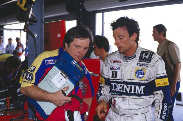 1987 Australian Grand Prix.Adelaide, Australia.13-15 November 1987.Williams technical director Patrick Head with Riccardo Patrese.Ref-87 AUS 48.World Copyright - LAT Photographic