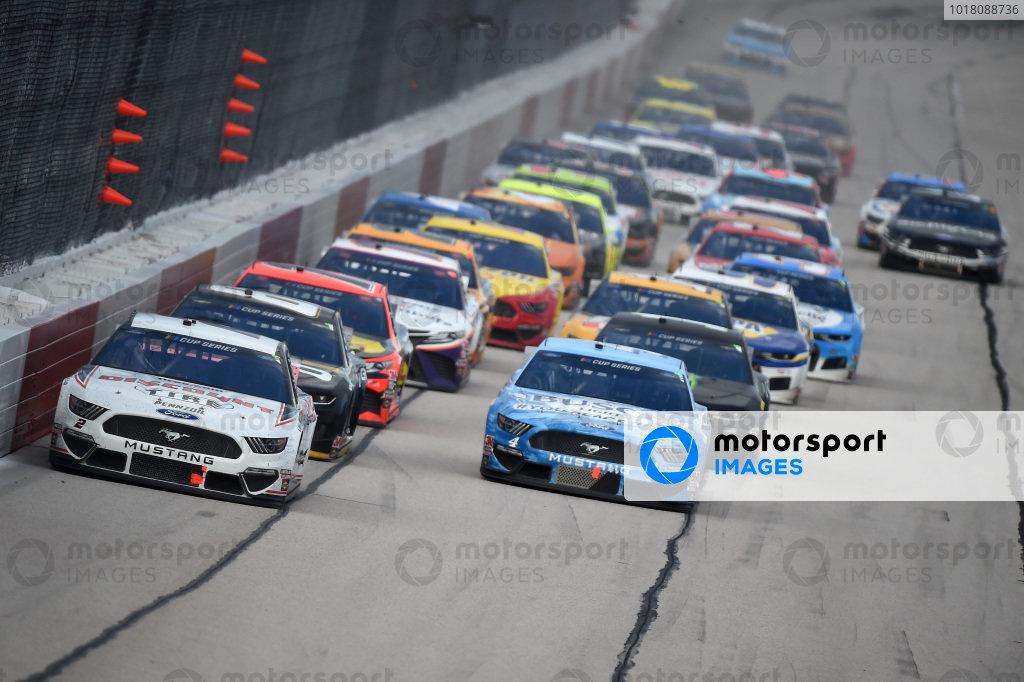 Brad Keselowski, Team Penske Ford Discount Tire, leads Copyright: Jared C. Tilton/Getty Images.