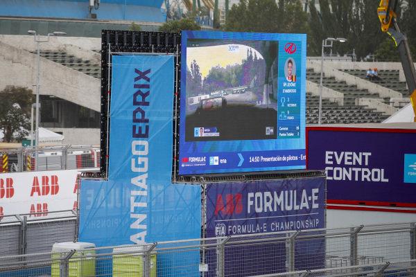 Screens showing the drivers eye camera on Felipe Massa (BRA), Venturi, EQ Silver Arrow 01