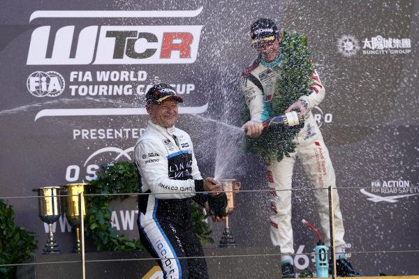 Podium: Race winner Andy Priaulx, Cyan Performance Lynk & Co 03 TCR, third place Jean-Karl Vernay, Leopard Racing Team Audi Sport Audi RS 3 LMS.