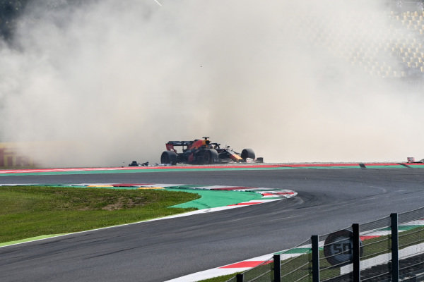 A crash involving Pierre Gasly, AlphaTauri AT01, and Max Verstappen, Red Bull Racing RB16 at the start