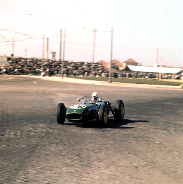 1960 Portuguese Grand Prix.Porto, Portugal.12-14 August 1960.John Surtees (Lotus 18 Climax).Ref-3/0186.World Copyright - LAT Photographic