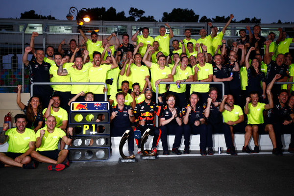 Baku City Circuit, Baku, Azerbaijan. Sunday 25 June 2017. Daniel Ricciardo, Red Bull Racing, celebrates victory with his team. World Copyright: Andy Hone/LAT Images ref: Digital Image _ONY9265