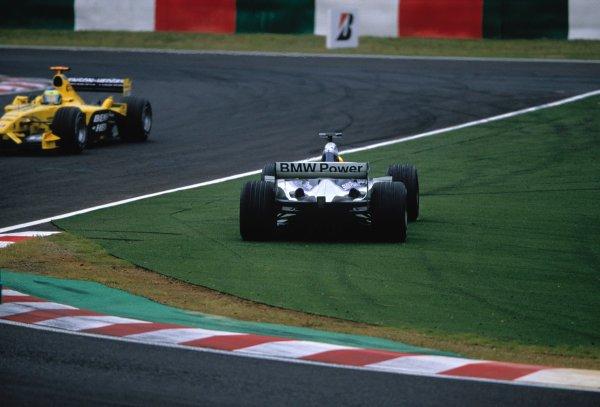 2003 Japanese Grand PrixSuzuka, Japan. 10th - 112th October 2003.Ralf Schumacher, BMW Williams FW25, spins.World Copyright: Charles Coates / LAT Photographic ref: 35mm Image 03JAP16