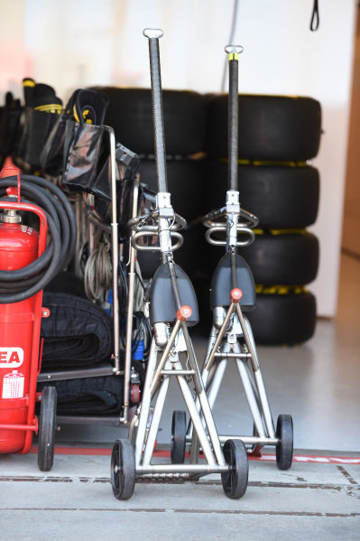Jacks at Formula One World Championship, Rd1, Australian Grand Prix, Preparations, Albert Park, Melbourne, Australia, Wednesday 11  March 2015.