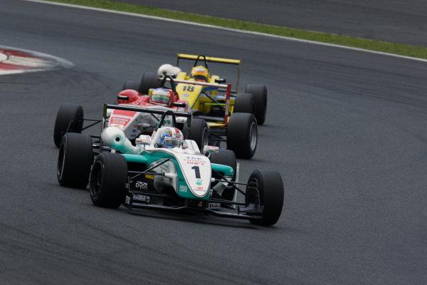 2010 Japanese Formula Three Championship Round 5 & 6 - Fuji Speedway.  12th - 13th June 2010.  Rd.5 Winner Yuji Kunimoto ( #1 PETRONAS TEAM TOM'S ) action. World Copyright: Yasushi Ishihara/LAT Photographic ref: Digital Image 2010JF3_R5_003