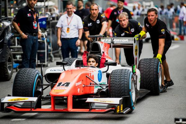 2017 FIA Formula 2 Round 4. Baku City Circuit, Baku, Azerbaijan. Thursday 22 June 2017. Sergio Sette Camara (BRA, MP Motorsport) practice pitstops. Photo: Zak Mauger/FIA Formula 2. ref: Digital Image _56I6470