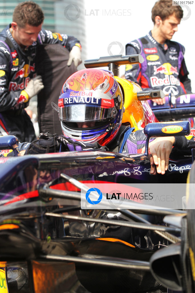 Shanghai International Circuit, Shanghai, China Sunday 14th April 2013 Sebastian Vettel, Red Bull Racing, arrives on the grid. World Copyright: Andy Hone/LAT Photographic ref: Digital Image HONY6770
