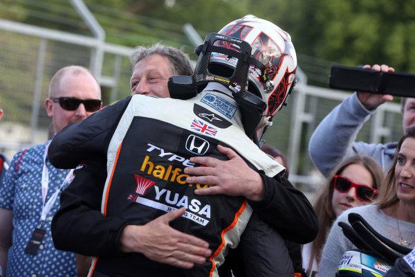 2017 British Touring Car Championship, Oulton Park, 20th-21st May 2017, Matt Neal (GBR) Halfords Yuasa Racing Honda Civic Type R World copyright. JEP/LAT Images