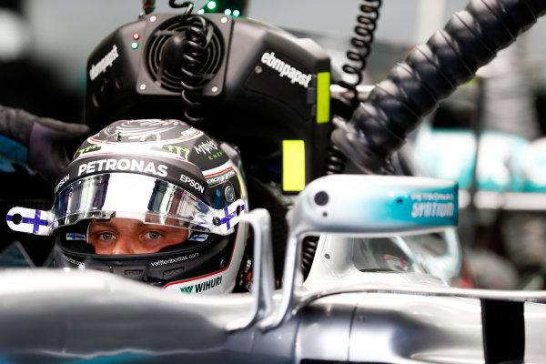 Bahrain International Circuit, Sakhir, Bahrain.  Sunday 16 April 2017. Valtteri Bottas, Mercedes F1 W08 EQ Power+, prepares to leave the garage. World Copyright: Sam Bloxham/LAT Images ref: Digital Image _J6I2037