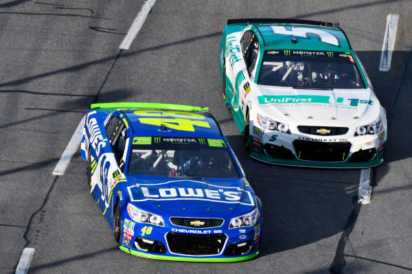 Monster Energy NASCAR Cup Series First Data 500 Martinsville Speedway, Martinsville VA USA Sunday 29 October 2017 Jimmie Johnson, Hendrick Motorsports, Lowe's Chevrolet SS and Kasey Kahne, Hendrick Motorsports, UniFirst Chevrolet SS World Copyright: Nigel Kinrade LAT Images