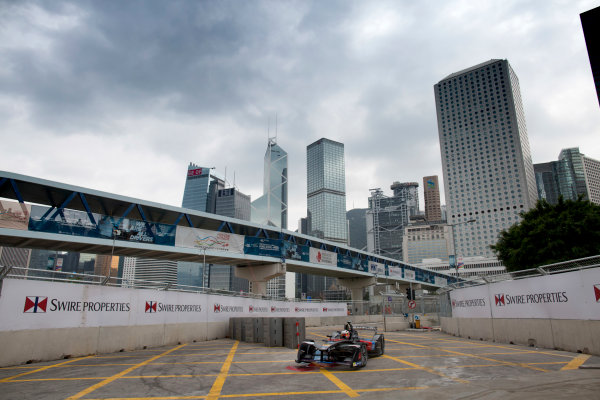 2016/2017 FIA Formula E Championship. Hong Kong ePrix, Hong Kong, China. Saturday 8 October 2016. Stephane Sarrazin (FRA), Venturi, Spark-Venturi, Venturi VM200-FE-02.  Photo: Alastair Staley/LAT/Formula E ref: Digital Image 580A9202