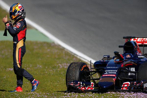 2015 F1 Pre Season Test 1 - Day 1 Circuito de Jerez, Jerez, Spain. Sunday 1 February 2015. Carlos Sainz Jr, Toro Rosso STR10 Renault, parked on the side of the track. World Copyright: Glenn Dunbar/LAT Photographic. ref: Digital Image _W2Q7901