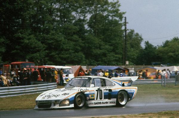 Le Mans, France. 14th - 15th June 1980.John Fitzpatrick/Brian Redman/Dick Barbour (Porsche 935 K3), 5th position, action. World Copyright: LAT Photographic.Ref: 80LM17