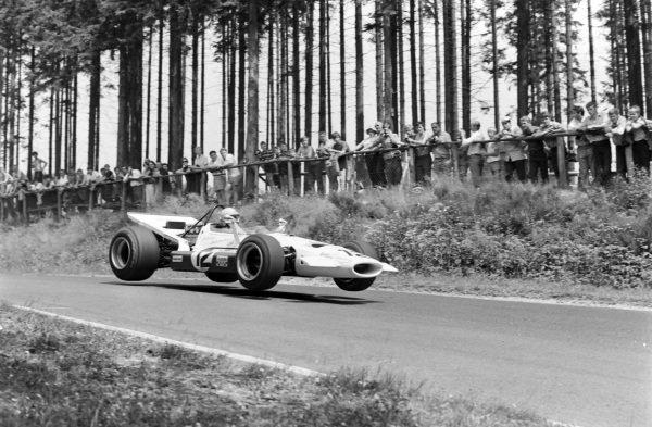 Vic Elford, McLaren M7B Ford.