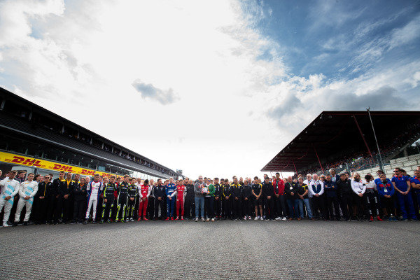 SPA-FRANCORCHAMPS, BELGIUM - SEPTEMBER 01: The F1, F2, and F3 community gather in remembrance of the late Anthoine Hubert during the Spa-Francorchamps at Spa-Francorchamps on September 01, 2019 in Spa-Francorchamps, Belgium. (Photo by Joe Portlock / LAT Images / FIA F2 Championship)