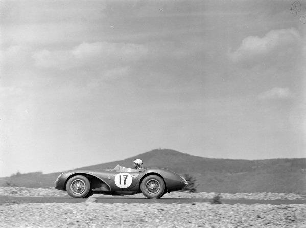 Graham Whitehead / Peter Whitehead, A. G. Whitehead, Aston Martin DB3S.