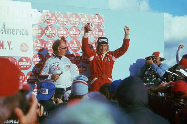 Watkins Glen, New York, USA. 8th - 10th October 1976. James Hunt (McLaren M23 Ford) 1st position, podium, portrait.  World Copyright: LAT Photographic.  Ref:  76 USA 12.