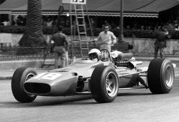1967 Monaco Grand Prix.Monte Carlo, Monaco. 7 May 1967.Lorenzo Bandini, Ferrari 312, fatal accident, action.World Copyright: LAT PhotographicRef: Autosport b&w print