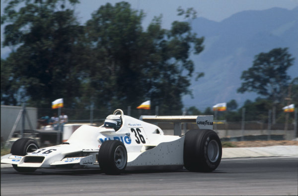 Jacarepagua, Rio de Janeiro, Brazil. 27-29 January 1978. Riccardo Patrese (Arrows FA1-Ford), 10th position, action.  World Copyright: LAT Photographic. Ref: 78BRA23.