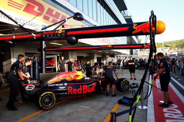 Sochi Autodrom, Sochi, Russia. Thursday 27 April 2017. The Daniel Ricciardo, Red Bull Racing RB13 TAG Heuer, is manoeuvered in the pit lane. World Copyright: Andy Hone/LAT Images ref: Digital Image _ONY9148