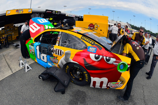 Monster Energy NASCAR Cup Series Toyota Owners 400 Richmond International Raceway, Richmond, VA USA Friday 28 April 2017 Kyle Busch, Joe Gibbs Racing, M&M's Toyota Camry World Copyright: Nigel Kinrade LAT Images ref: Digital Image 17RIC1nk00053