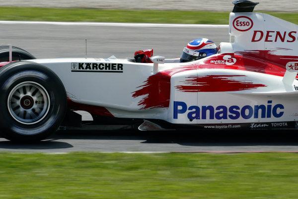 2004 Spanish Grand Prix - FridayCircuit de Catalunya, Barcelona, Spain. 7th - 9th May.Olivier Panis, Toyota TF104. Action. World Copyright: Lorenzo Bellanca/LAT Photographicref: Digital Image Only