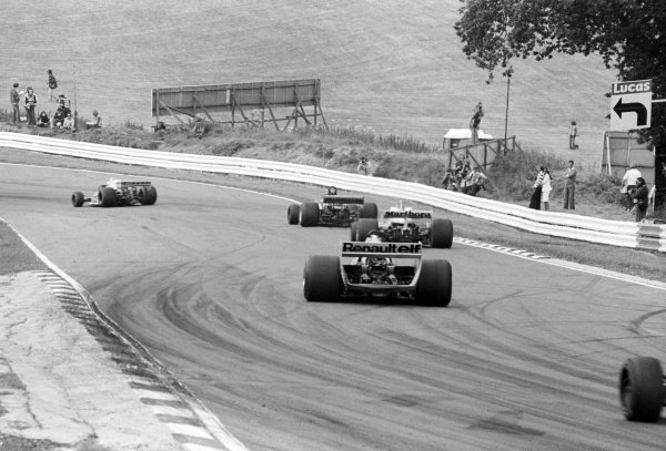 Jean-Pierre Jabouille (FRA) Renault RS01, who retired from the race on lap 47 with a blown engine, heads towards Graham Hill Bend.British Grand Prix, Rd 10, Brands Hatch, England, 16 July 1978.