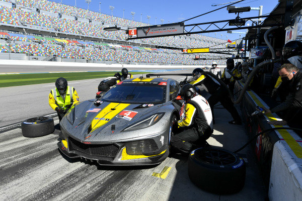 #4 Corvette Racing Corvette C8.R, GTLM: Pit Stop, Nick Tandy, Tommy Milner, Alexander Sims