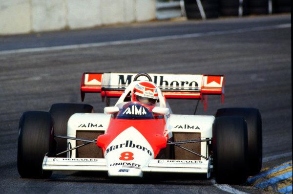 1984 Dutch Grand Prix.Zandvoort, Holland.24-26 August 1984.Niki Lauda (McLaren MP4/2 TAG Porsche) 2nd position.World Copyright - LAT Photographic